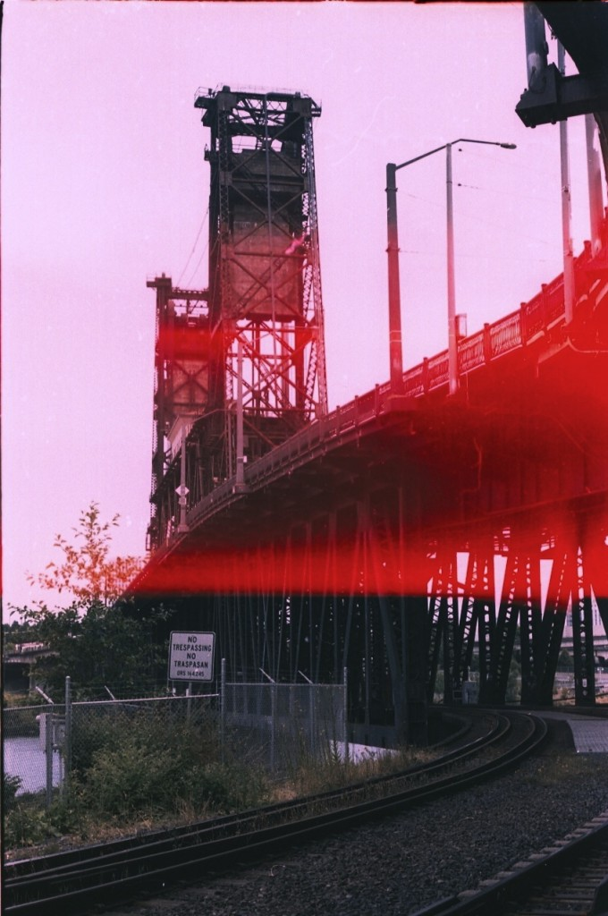 street art bridge01